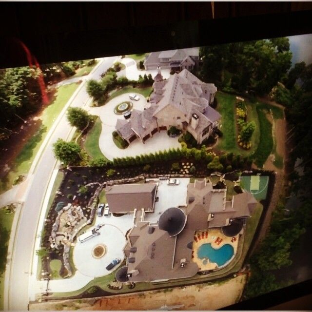 From Kim's Instagram: Kroy Biermann got a Drone and flew it over our house! How cool is this shot! The film crew was in the driveway this day too!!