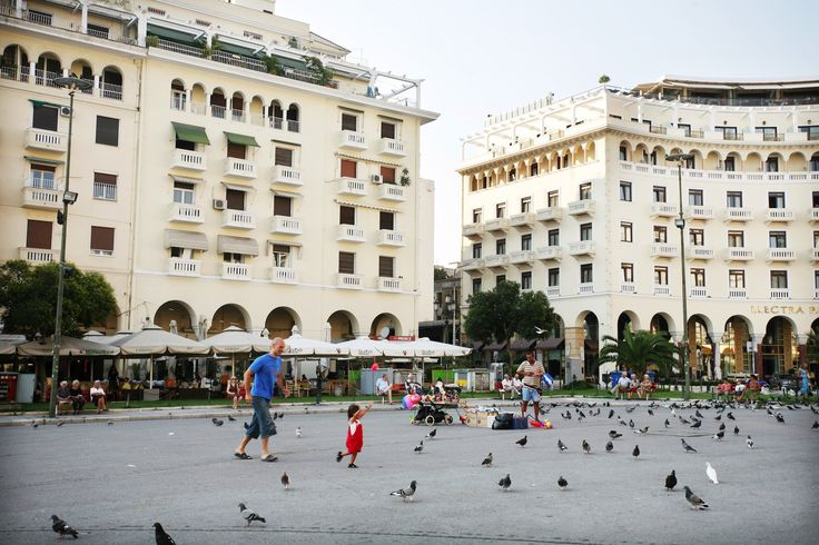 Aristotelous square in Thessaloniki city center