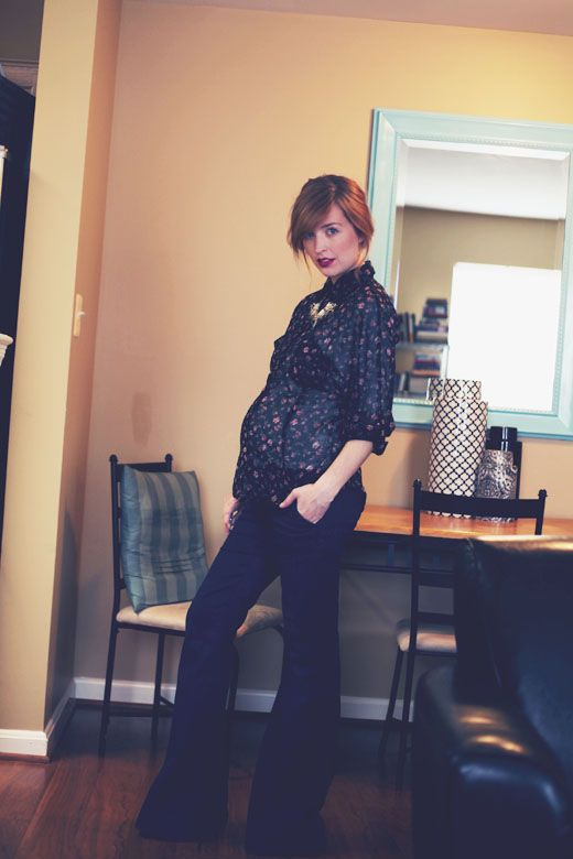 Note to self during next pregnancy: Wide leg jeans + flowy blouse = darling --- makes sense that bell bottoms would be flattering during pregnancy. Balance.