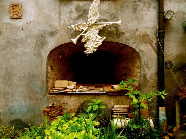 La Bottega del Ligno: The Wood Shop in the Forli Region of Italy http://www.pointsandtravel.com/la-bottega-del-ligno-forli-italy/