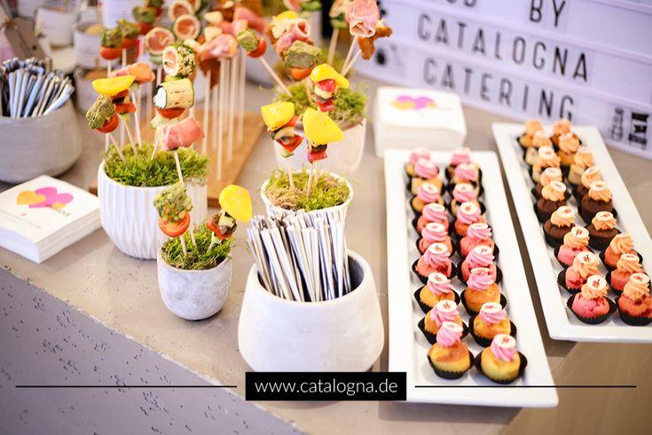 Kreative Fingerfood-Kreationen http://blog.eventsofa.de/top-10-catering-anbieter-2017/#top10-3  #Catering #Köln #Fingerfood