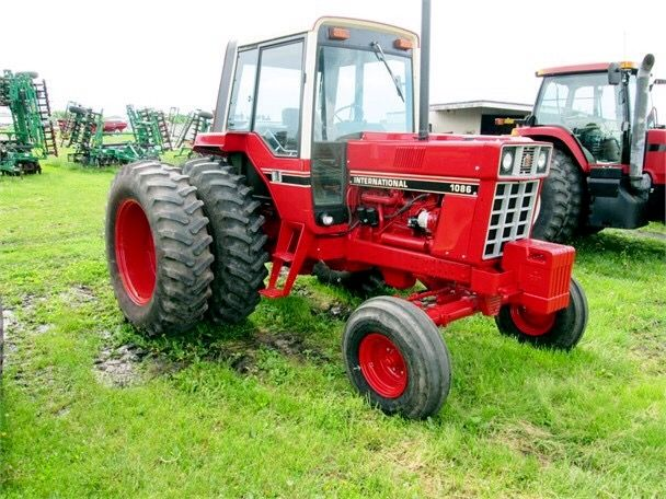 1086 Ih Plowing : Best images about international harvester on pinterest