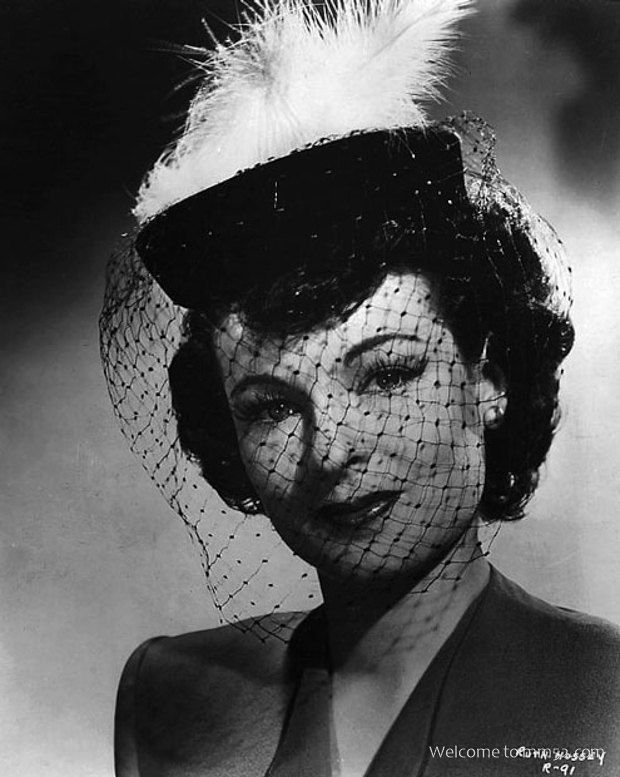 Ruth Hussey Picture No.13   (Original Resolution: 495 x 620)