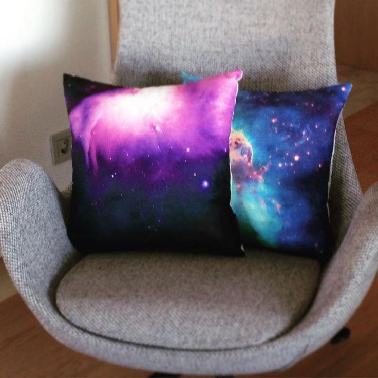 Hubble Uzay Teleskobunun en iyi eserlerini perde ve kırlent olarak evinize getiriyoruz... Uzayın derinliklerindeki renklerin uyumuna bayılacaksınız... #uzay #cipcici #cipcicicom #yastık #kırlent #fotografheryerde #ev #evtekstili #evdekorasyonu #dekorasyon #içmimar #cushion pillow #space #hubbletelescope #yıldızlararası #interiordesign #decoration #homedecor #homesweethome #home #tagsforlikes #photography #photooftheday #picoftheday #tagstagramers