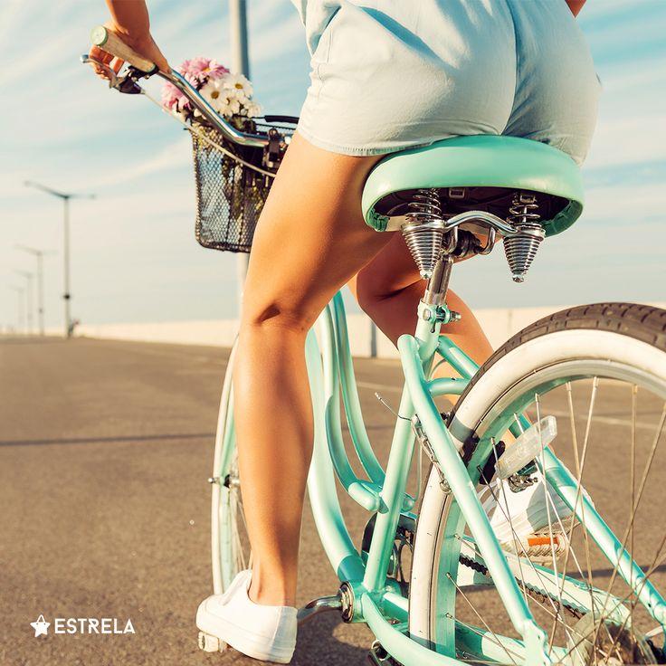 Ciesz się z małych rzeczy! / Więcej inspirujących treści na www.facebook.com/estrelapl / lifestyle, woman, inspiration, girl, summer, design, photo, bicycle, cycle, bike, dutch, urban, cycling, riding, ride, photoshoot, hipster, vacations, instagram
