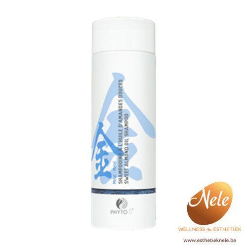 De revitaliserende Phyto 5 Shampoo met Zoete Amandelolie is speciaal samengesteld voor de droge hoofdhuid, dof en broos haar, droge roos en dagelijks gebruik.