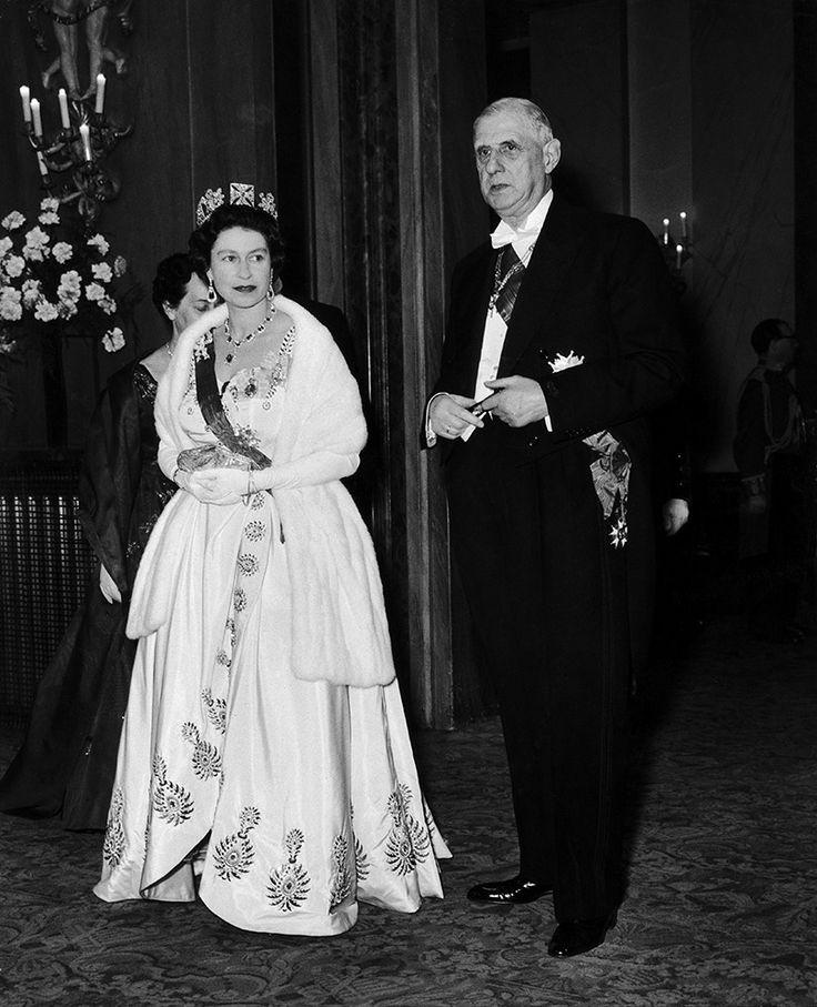 La reine Elizabeth avec le général de Gaulle - 2