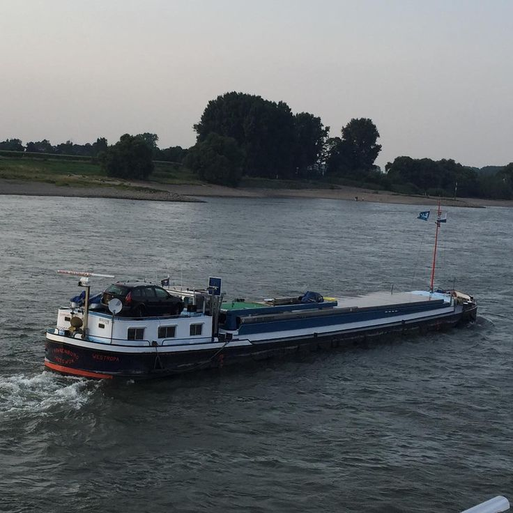"""#westropa #vreeswijk #instashipping  #instaship #instamarine  #instafun  #instaweather  #spits #Rijn #river"""