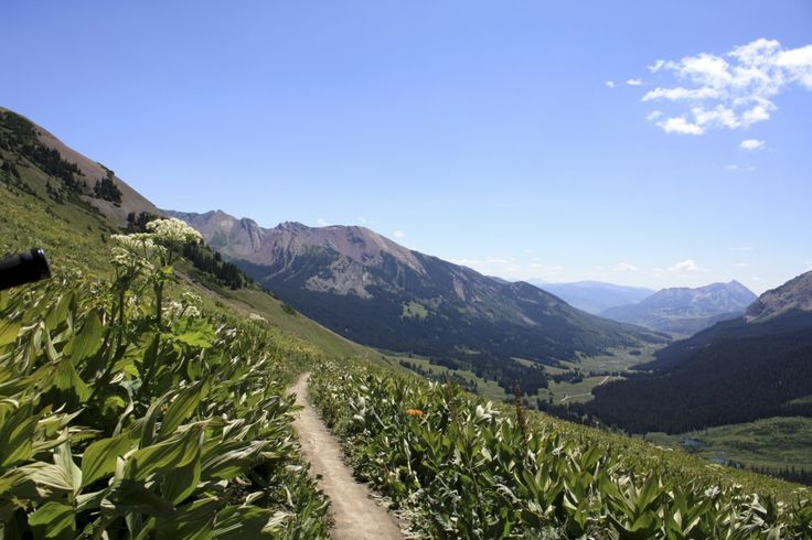 Trail run, anybody? This trail in Colorado comes standard with plenty of motivation
