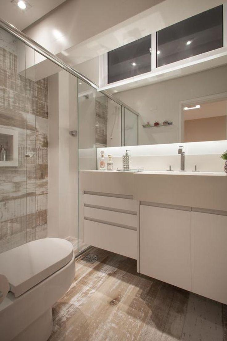 Gabinete com puxadores discretos economizam espaço nos banheiros