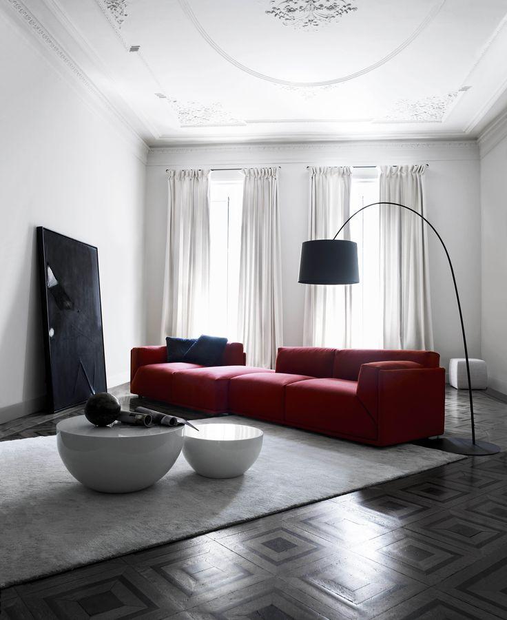 Wonderful MERIDIANI I BACON Modular Sofa I BONGO Low Tables I LALIT Rug