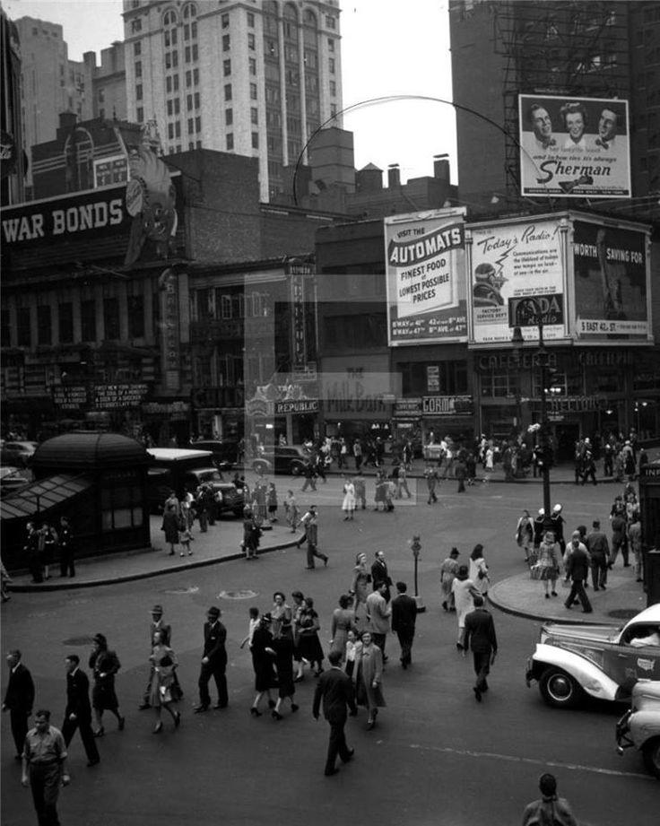 W 43rd ST BROADWAY NYC 1942