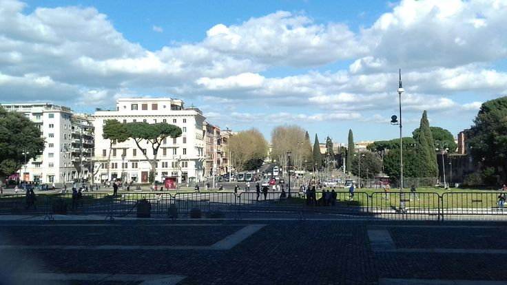 Sunny day in Rome (March 2017)