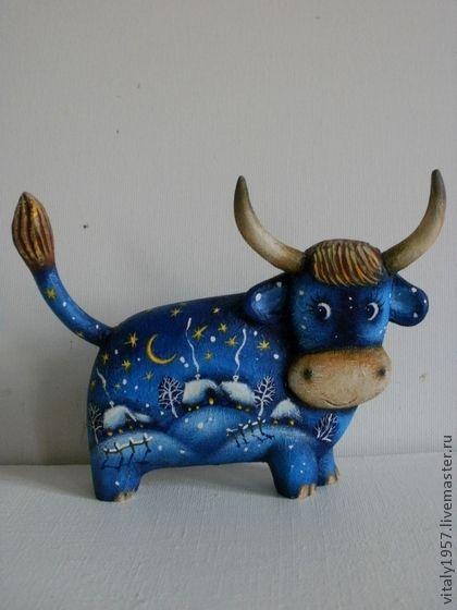 Маленький бычок деревянная скульптура ручная роспись - корова,деревянная скульптура