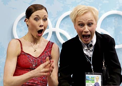 Laura Lepistö ja hänen valmentajansa Virpi Horttana riemastuivat ennätyspisteistä.