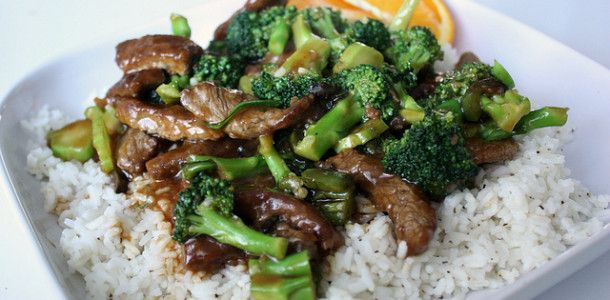 Crockpot Beef and Broccoli    1 1/2 lbs. beef, chuck roast, sliced into thin strips    1 c. beef broth    1/2 c. oyster sauce (found at grocery store with Asian foods)    1/2 – 1 lb. broccoli, florets, fresh or frozen   1/4 c. water    2 T. cornstarch    Cooked rice (optional)    Sesame seeds (for garnish)