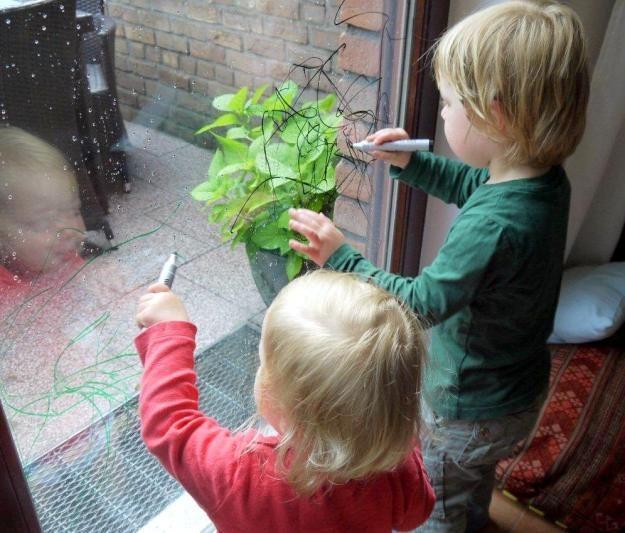 Glasmalstifte für kleine Künstler