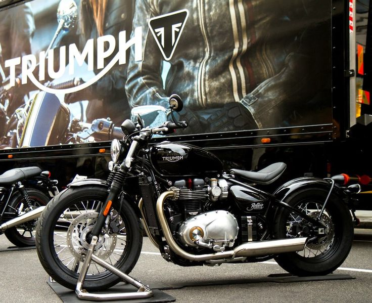 Triumph 's Bonneville Bobber makes UK public debut - http://superbike-news.co.uk/wordpress/Motorcycle-News/triumph-s-bonneville-bobber-makes-uk-public-debut/
