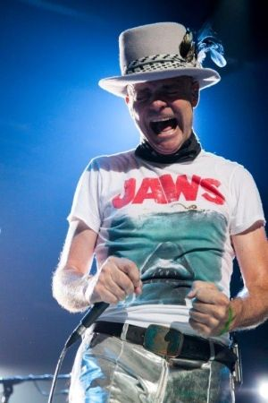 Gord Downie, Tragically Hip | 'Thank you for that': Tragically Hip put on poignant show for hometown Kingston crowd - CBC News