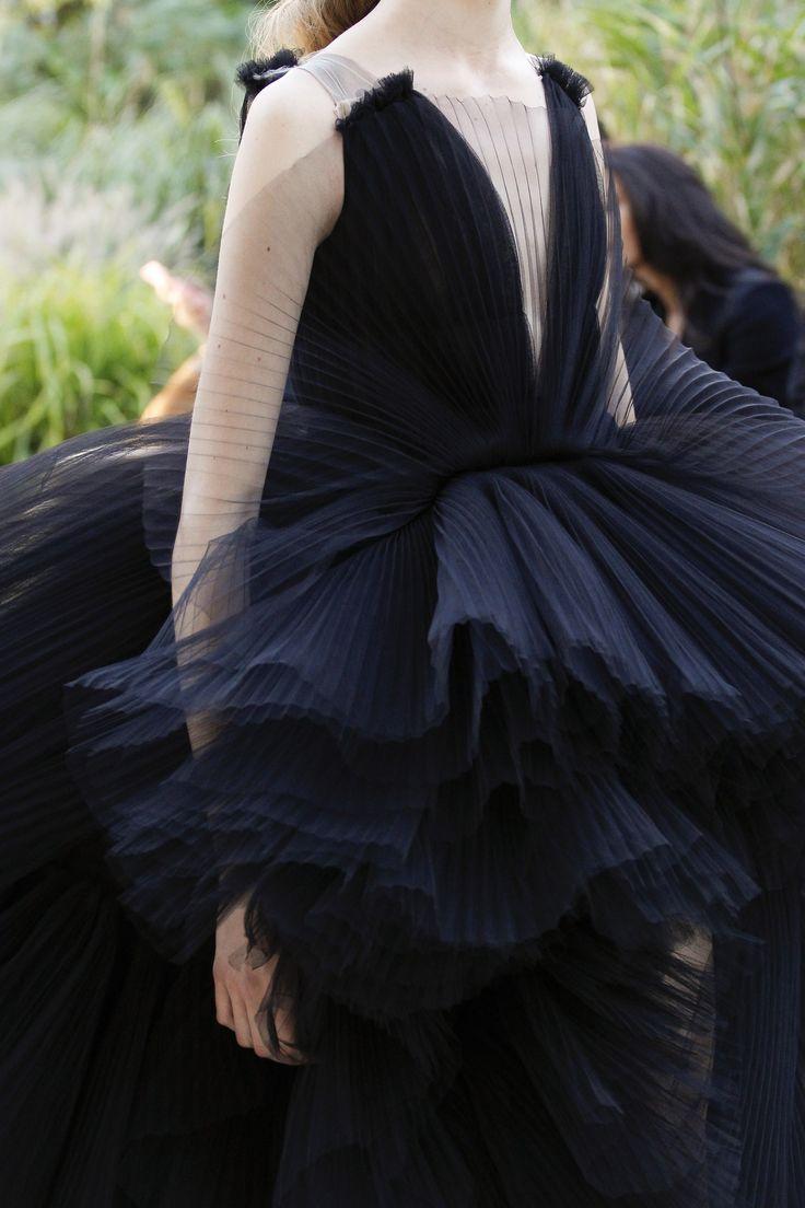 Giambattista Valli Fall 2017 Couture Accessories Photos - Vogue