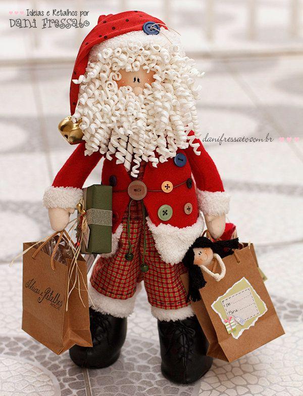 *NATAL ENCANTADO* Natal é... ... época de voltar a ser criança e acreditar que Papai Noel existe; ... tempo de lembrar as tradições &nb