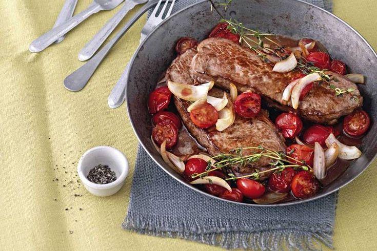 Das Rezept für Rumpsteak mit geschmorten Balsamico-Tomaten mit allen nötigen Zutaten und der einfachsten Zubereitung - gesund kochen mit FIT FOR FUN