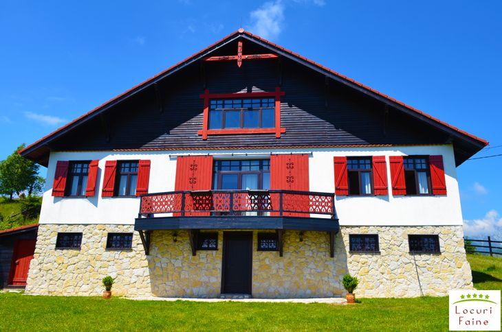 Am petrecut un sfarsit de saptamana de poveste la Casa Konigstein din Sirnea – Fundata, judetul Brasov. Una dintre cele mai frumoase cabane din Romania, despre care povestim in continuare.