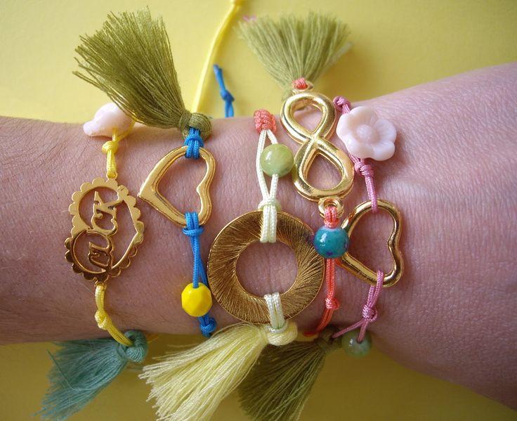 Βραχιόλια με μπρούντζινα και μεταλλικά στοιχεία και χάντρες. Κωδικός: 15066/1 #jewelleryfromourheart #jewellery #thessaloniki #accessories #fashionista #stylish #dontmiss #gift #friendship #bracelets #colours #charms #beads #tassels #infinity #love #heart #summer #ss2016