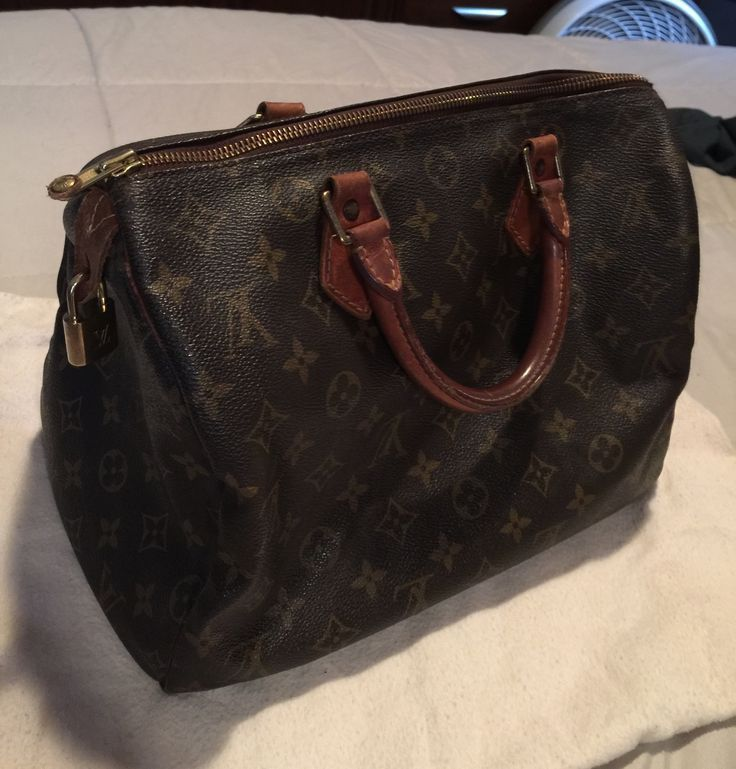 Louis Vuitton pre-owned speedy 30 satchel handbag in good condition. Nothing is wrong with this bag except the leather tag that attaches to the zipper pull ripped and had to be taken off. Doesn't affe - women's purses and bags, hand bag purse, black small handbag *sponsored https://www.pinterest.com/purses_handbags/ https://www.pinterest.com/explore/handbags/ https://www.pinterest.com/purses_handbags/dkny-handbags/ http://www.dillards.com/c/handbags
