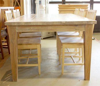 Lankkupöytä tammesta puuvalmiina, 215, 250 tai 280 cm pitkänä.