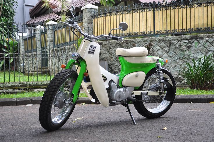 "Street Cub "" Green Peace "" by Newspeed Garage"