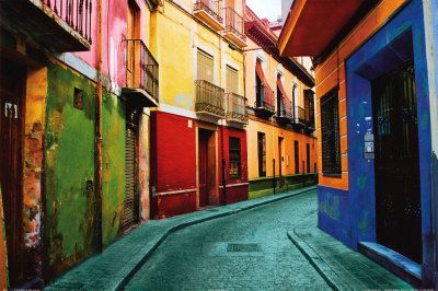 My year in Granada, Spain was un-paralled...such a beautiful college town! Just look at this street; nothing compares!