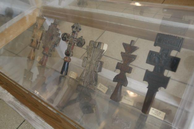 Secretele ascunse în Muzeul Ţăranului Român: misterul năframei care reunea îndrăgostiţii după moarte   adevarul.ro
