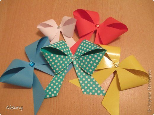 The Perfect DIY Pretty Paper Bow - http://theperfectdiy.com/the-perfect-diy-pretty-paper-bow/ #DIY, #Giftidea