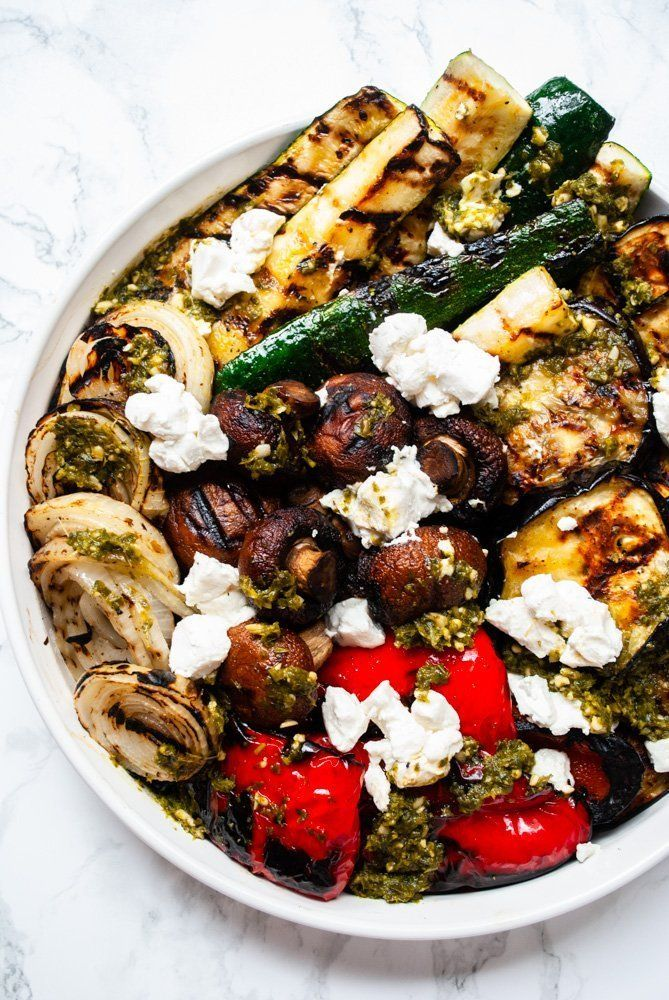 This grilled vegetable salad is the perfect side dish for vegetable lovers! Barbecued eggplant, zucchini, red peppers, mushrooms and onions are topped with pesto and crumbled goat cheese in this easy to make low carb dish. Healthy Salad Recipes, Whole Food Recipes, Vegetarian Recipes, Cooking Recipes, Pescatarian Recipes, Grilled Recipes, Vegetarian Grilling, Healthy Grilling, Healthy Eats
