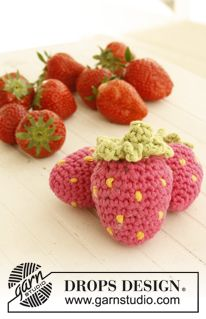 "Crochet DROPS strawberry in ""Paris"". ~ DROPS Design"