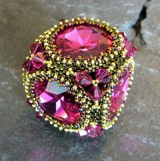 Mariposas Schatzkiste; 21 October 2010; Laura McCabe's Crown Jewels