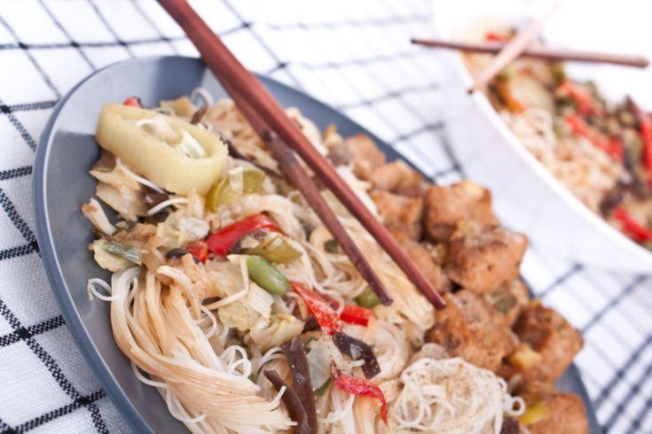 Čínske ryžové rezance s hubami a mäsom