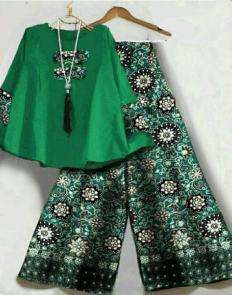 Jual beli SET KULOT BATIK WANITA di Lapak Rini Wardani - hanstelekomunikasi. Menjual Busana Muslim Wanita - Set kulot kumala hijau atasan twistcone + pant batik sutra fit XL