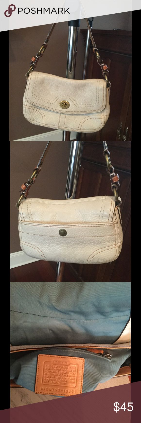 Coach Chelsea Pebbled Leather Handbag Purse COACH Chelsea Ivory pebbled leather. Very good condition, as shown with only minor markings. Coach Bags Shoulder Bags
