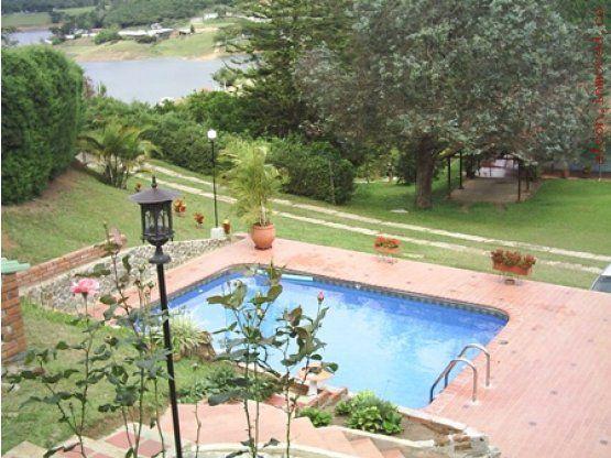 Amoblado balc n vista panoramica arboles frutales rea for Bar piscina lago jardin 1