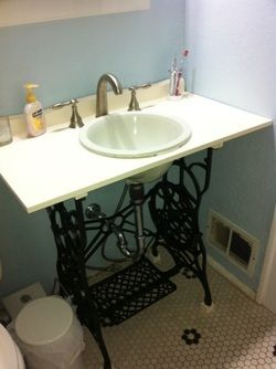 treadle sewing machine frame DIYed into a vanity... fabulous!Powder Room, Sewing Machines, Decor Ideas, Bathroom Interior, Treadle Sewing Machine, Frames Diy, Dumpster Divas, Decor Bedroom, Bathroom Ideas