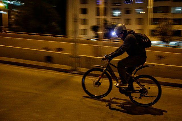 ¡Miserables! Por robarle la cicla, matan a joven de 19 años en el norte de Bogotá   Noticias Caracol http://noticias.caracoltv.com/bogota/miserables-por-robarle-la-cicla-matan-joven-de-19-anos-en-el-norte-de-bogota