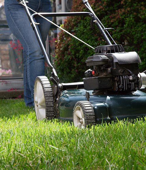 The perfect fit for your lawn! Check out the eight best zero turn mower reviews! You'll save time, money, & your lawn! No more uncut spots!