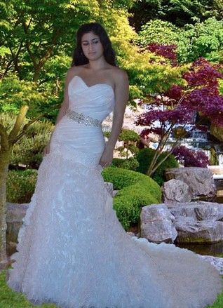Pronovias White Organza 477263 Sexy Wedding Dress Size 4 (S). Pronovias White Organza 477263 Sexy Wedding Dress Size 4 (S) on Tradesy Weddings (formerly Recycled Bride), the world's largest wedding marketplace. Price $296.25...Could You Get it For Less? Click Now to Find Out!