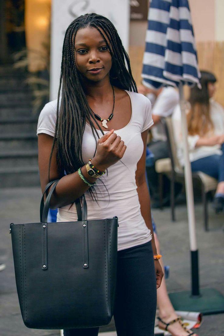 Jacklyn & shopping Bag Trussardi Jeans per Ambro's Fashion Party
