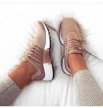 Tendance Sneakers : $120 Nike Air Presto Women Pink Nuede Beige Sneakers Spring Summer Shoe Trends