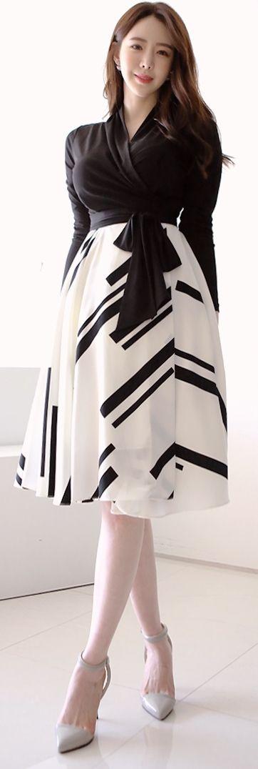 Korean Fashion Online Trend 韓流 Store Luxe Asian Women 韓国 Style Clothes Shop korean wave Luxury flare Dress main