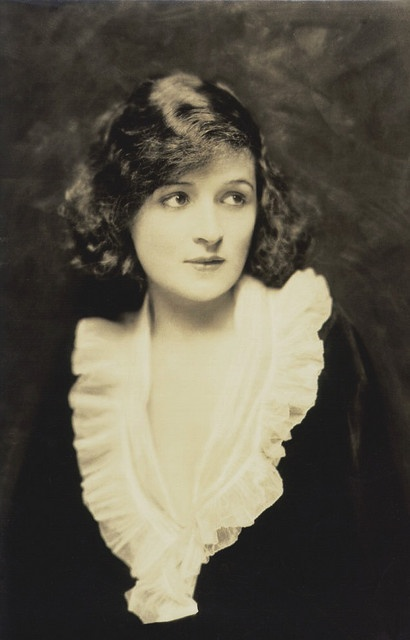*BILLIE BURKE ~ the sweet face that eventually became Glinda, the Good Witch of the North.