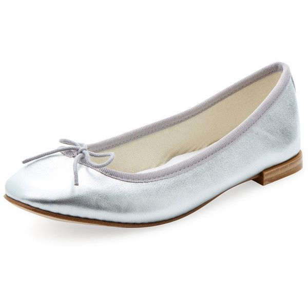 Repetto Women's Cendrillon Metallic Leather Ballet Flat - Silver (£160) ❤ liked on Polyvore featuring shoes, flats, silver, ballerina shoes, ballet shoes, bow ballet flats, silver metallic flats and leather shoes